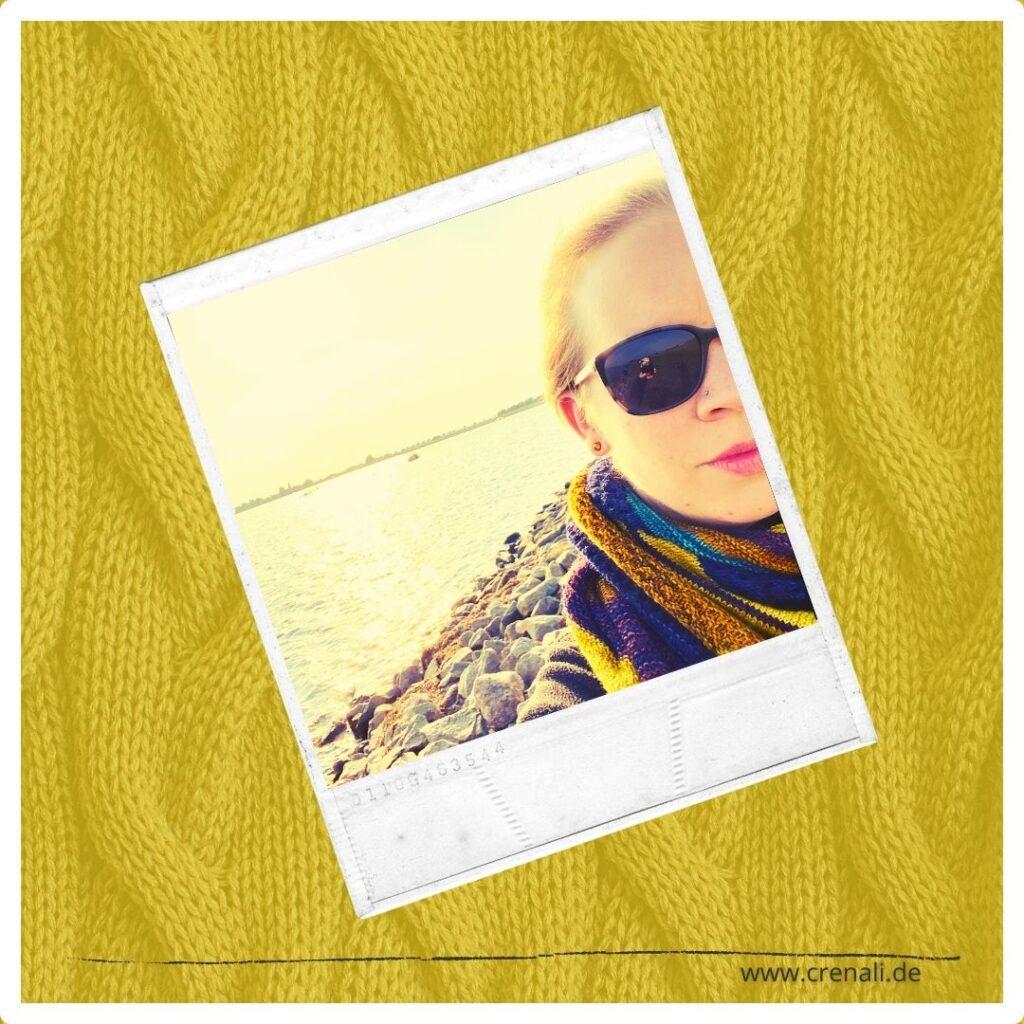 StrickProjekt Dancing Colours   Spindelträume - es begleitet mich am Strand