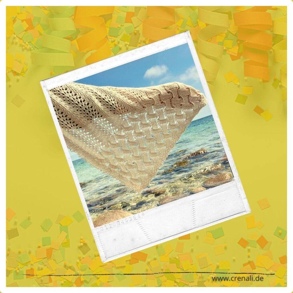 StrickDesign Herzensangelegenheit aus pflanzengefärbter Wolle am Meer